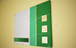 Toile abstraite dans les tons vertset dégradés avec une touche dorée. Format 90 x 65 cm. Prix : 250 euros